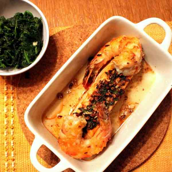 Garlic-Salmon with fried Prawns