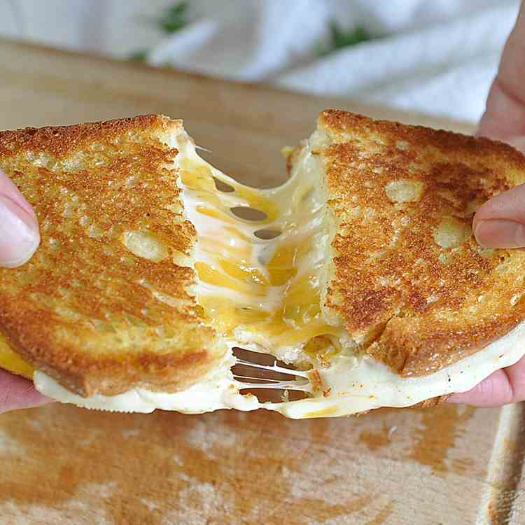 The Greatest Grilled Cheese Sandwich