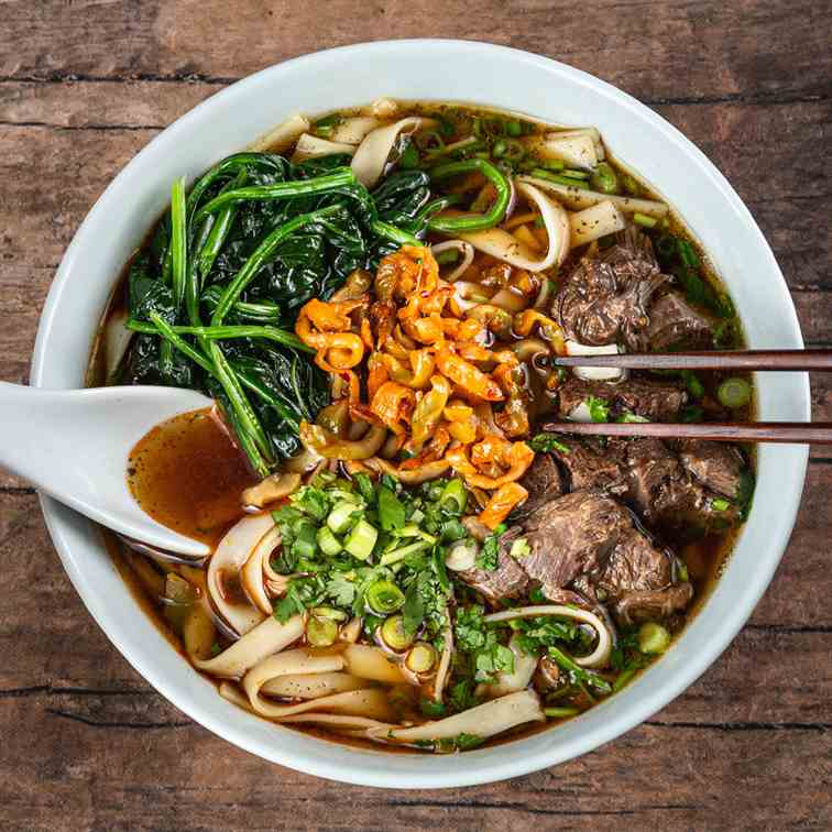 Instant Pot Taiwanese Beef Noodle Soup
