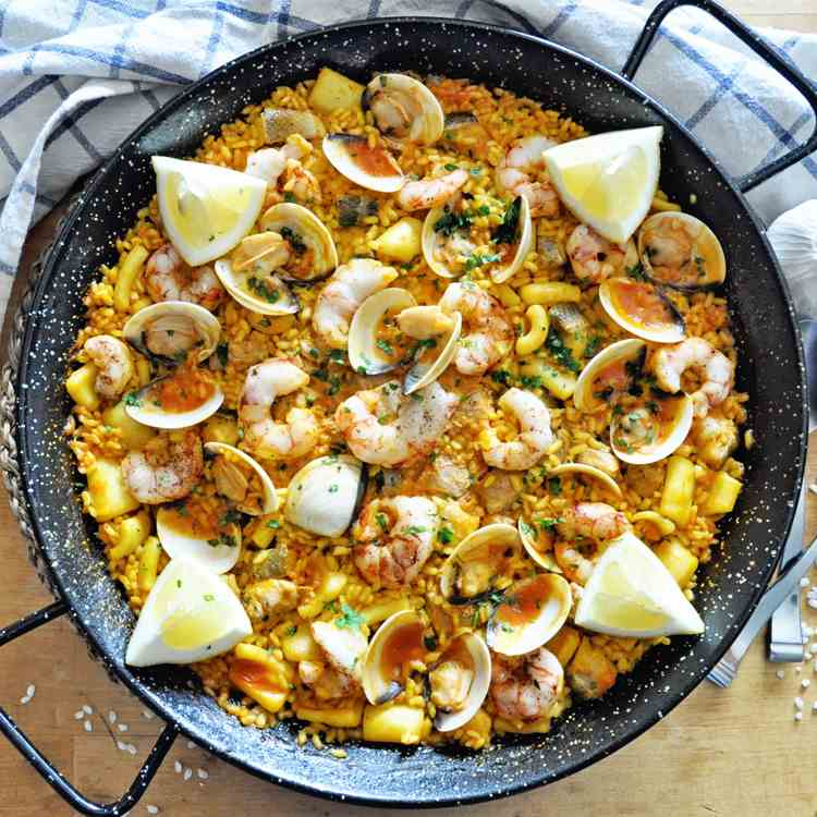 SEAFOOD LOVERS Spanish Paella